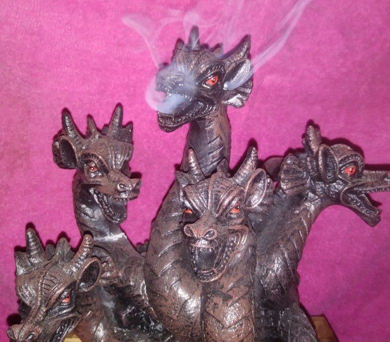 DragonsBloodcom.wordpress.com